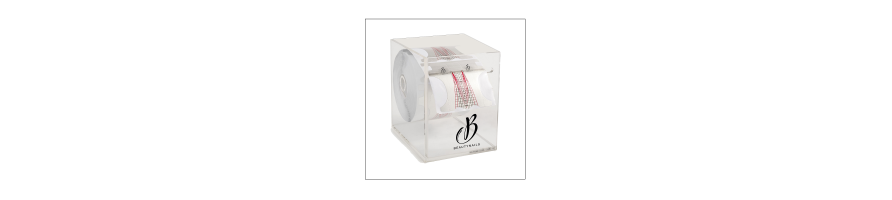 Papier-Forme et Châblon destiné à la pose d'ongles artificiels, très rigide pour une bonne tenue sur le doigt de la cliente.